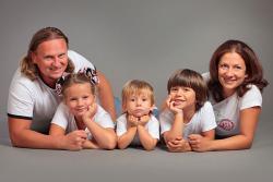 фотосъемка семьи с тремя детьми