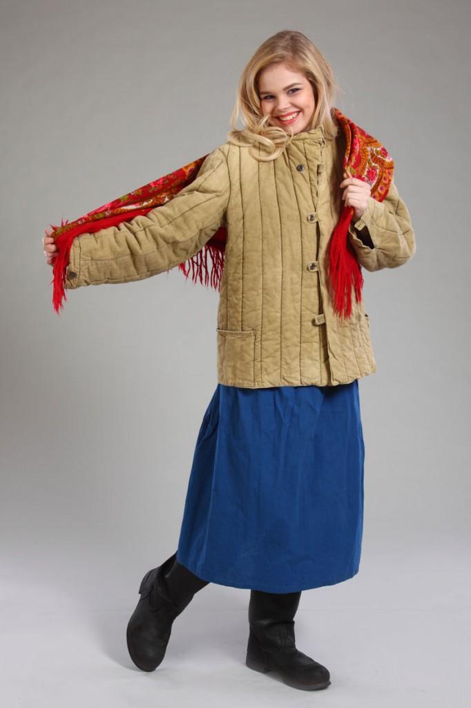 фотосессия женщина в ватнике с платком