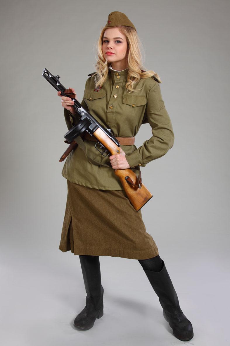 Голые девушки в форме откровенные фото военных с оружием