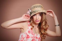 женский портрет в шляпке
